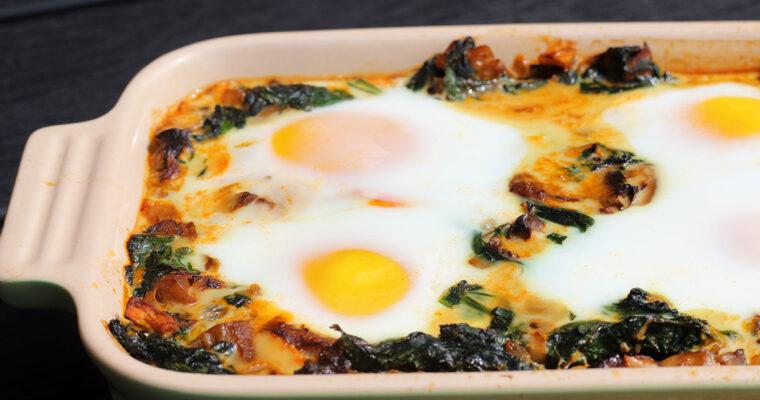Bagte æg med spinat