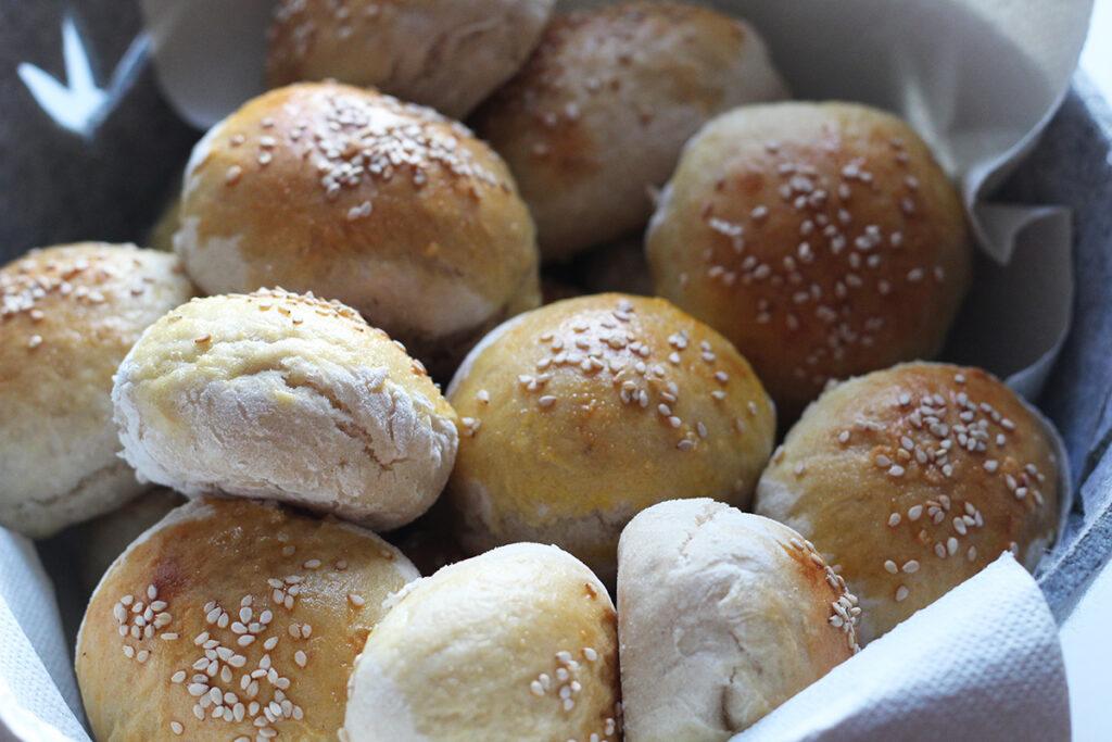 mini-hotdogbrød, hotdog, hvedemel, gær, rapsolie,